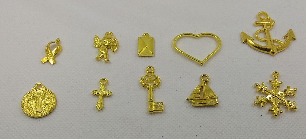Breloques métal motif divers lot de 10 pièces