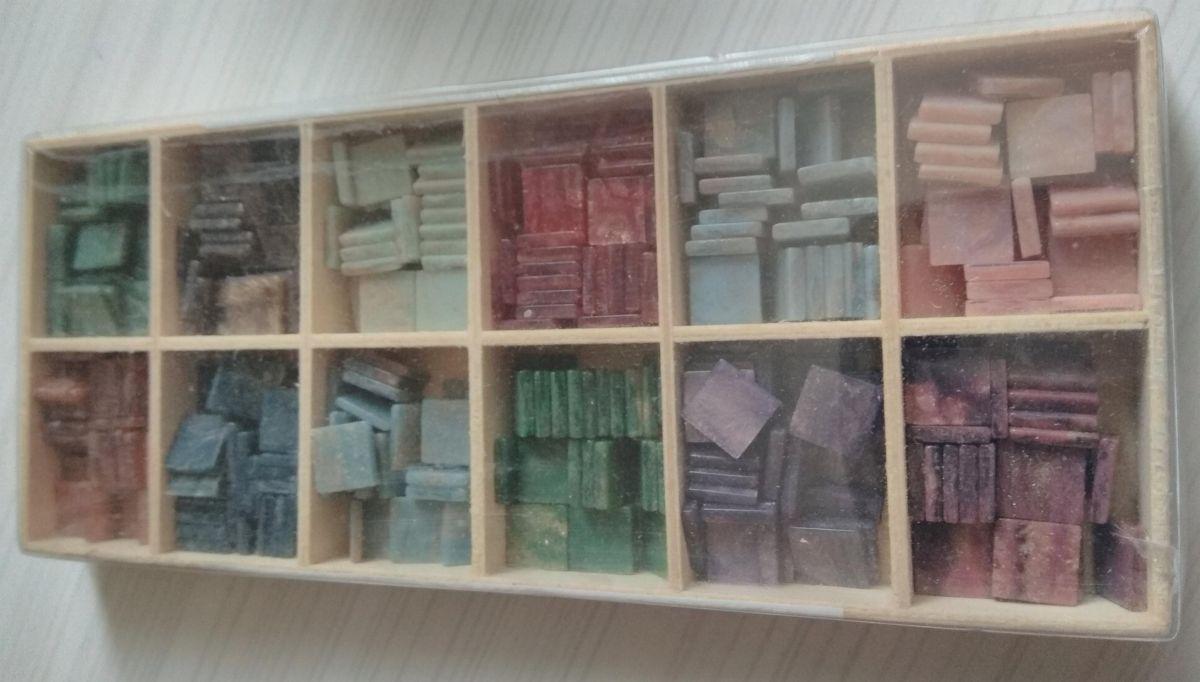 Mosaique acrylique 360 pièces carré couleurs 1 cm