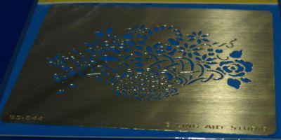 Pochoir fleurs en métal pour décoration