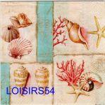 Serviette papier coquillages et coraux de la mer.
